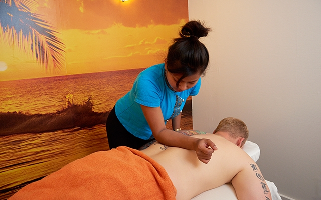 lak læder Thai massage in Randers