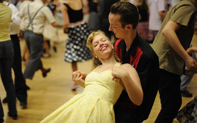 hvornår er det okay at begynde at danse igen efter en pause cancer dating aquarius