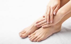 Fine fødder med forfriskende fodbehandling