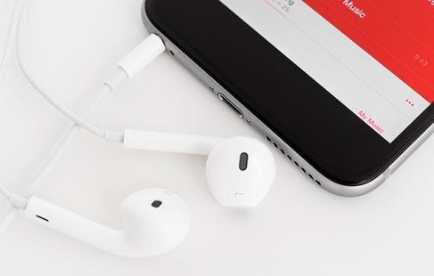 Originalt Apple headset