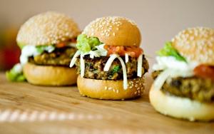 3 slider burgere med fritter