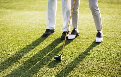 Sving golfkøllerne!