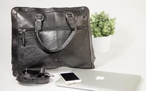 Rummelig og stilren taske
