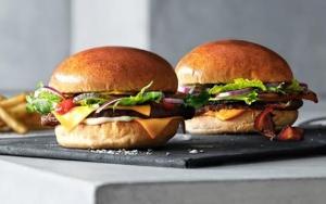 To fantastiske burgere...