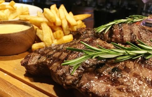 Steak og fritter til 4