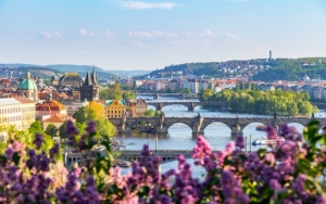 Se Prag til lands og til vands
