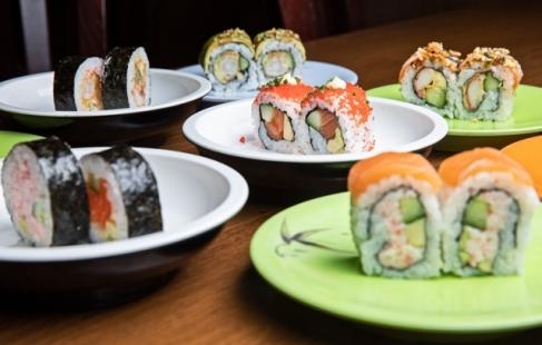 Running sushi og dessert