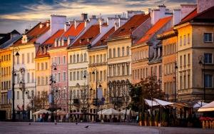 Billig sviptur til Warszawa