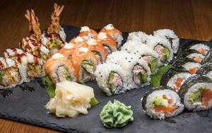 TAKEAWAY: 46 stykker sushi